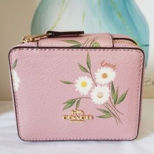 🌸 New Coach Jewelry Box Travel Case 🌸